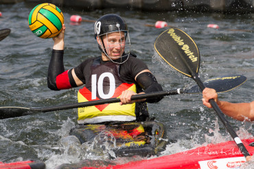Interview mit der deutschen Kanu-Polo Spielerin Elena Gilles